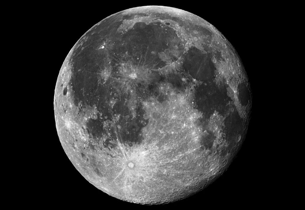 1023px-A_moon