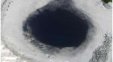 australian_cloud_hole