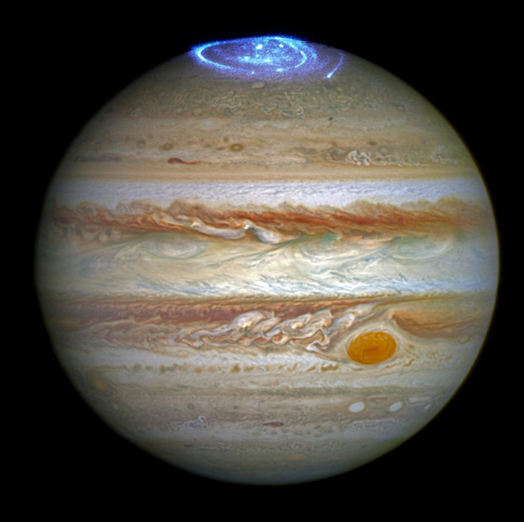 hubble-captures-vivid-auroras-in-jupiters-atmosphere_28000029525_o~medium