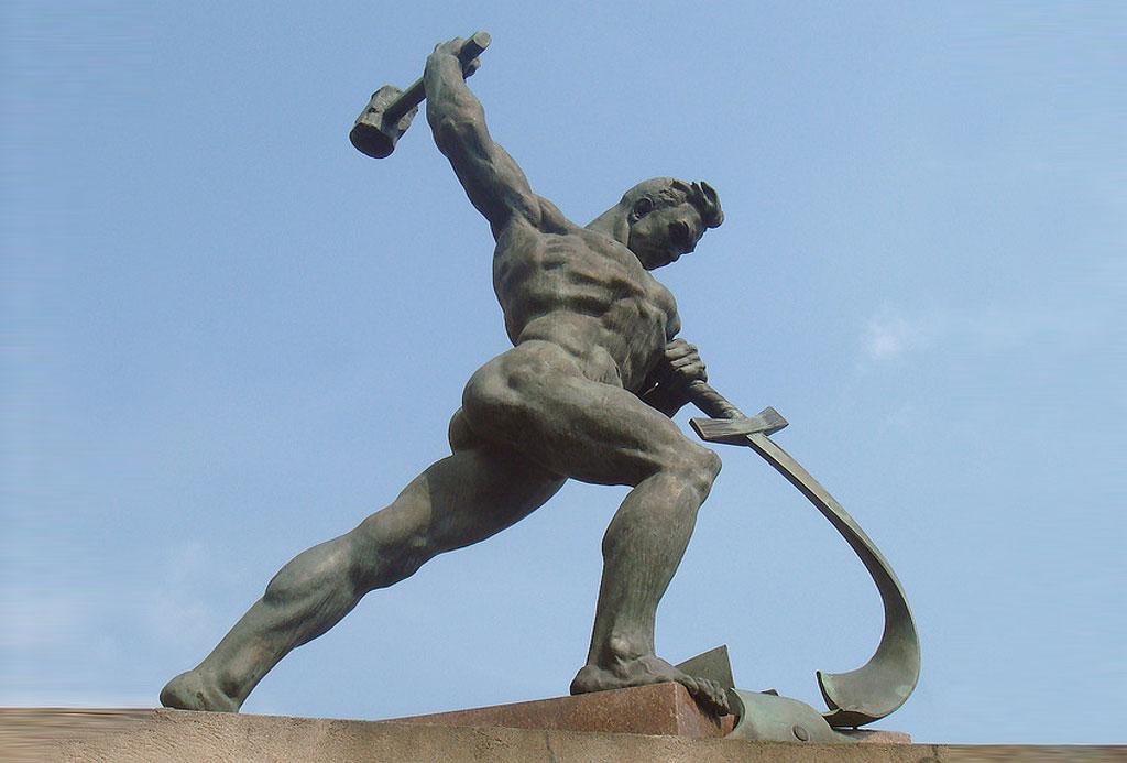 Sculpture: Evgeny Vuchetich.
